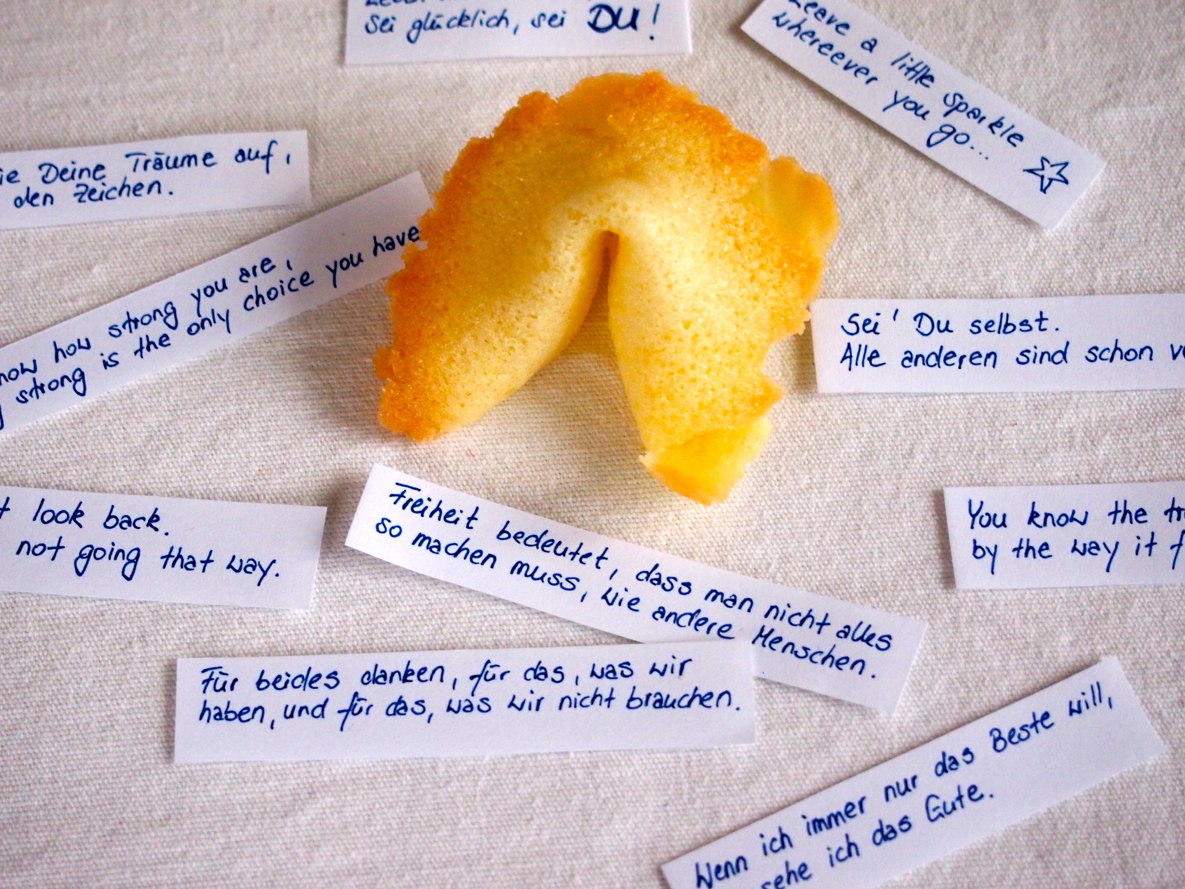 liebe sprüche zum jahreswechsel Kleines Glück zum Jahreswechsel: Glückskekse für liebe Gäste  liebe sprüche zum jahreswechsel