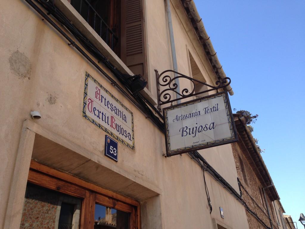 Bujosa in Santa Maria