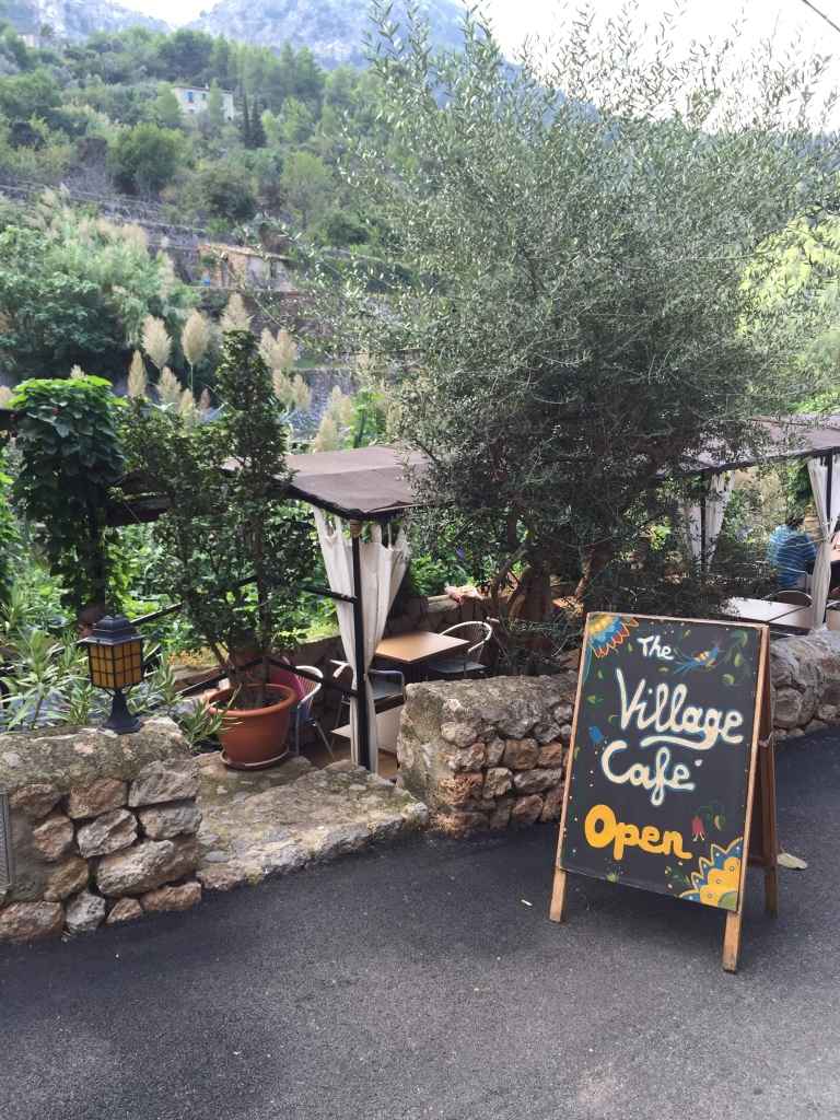 Village Café in Deíja