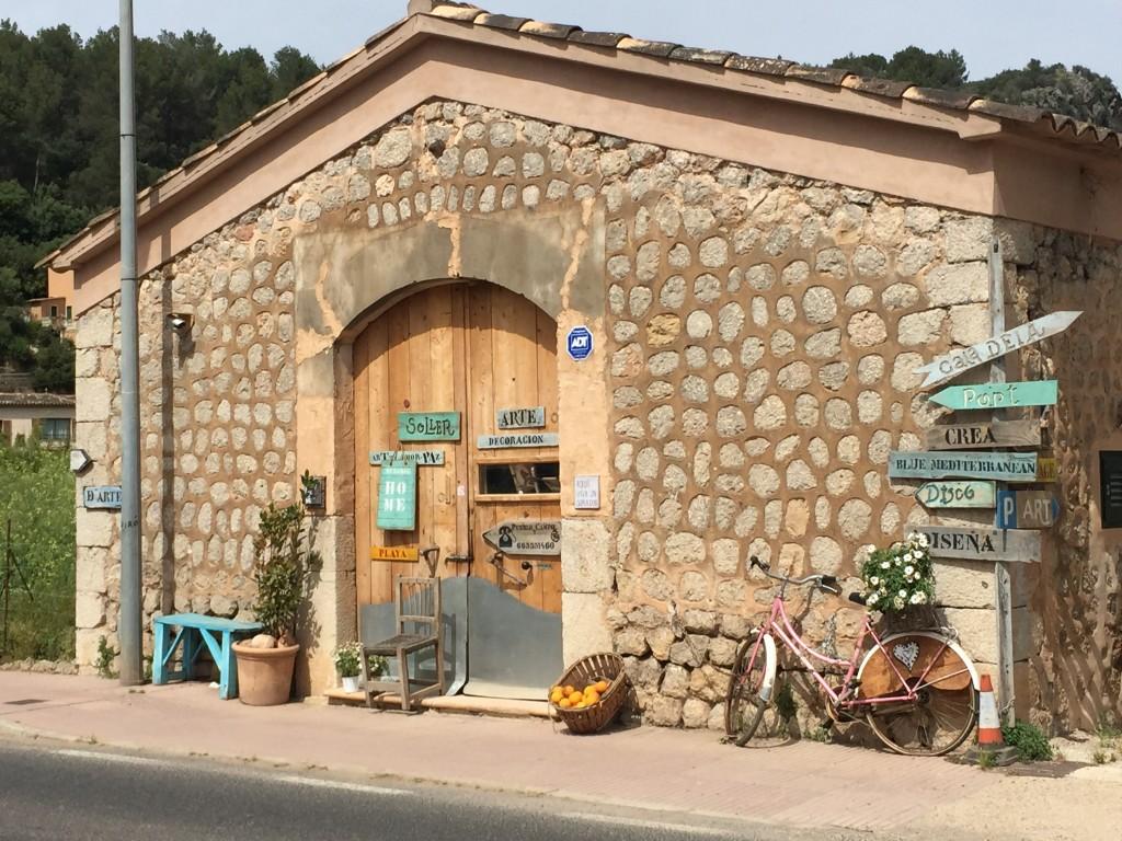 Shopping-Tipp auf dem Weg nach Port de Sollen auf Mallorca
