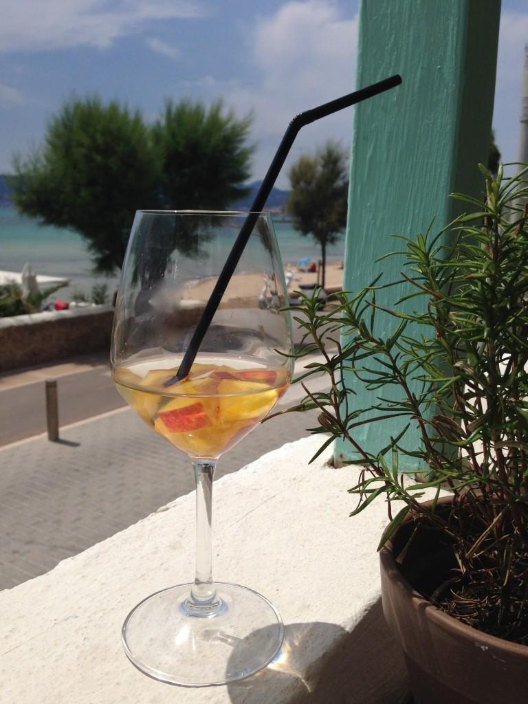 Ein Drink in AlMare, Mallorca