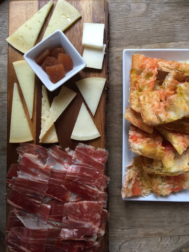 Schinken und Käse in der Reserva Iberia in Palma de Mallorca
