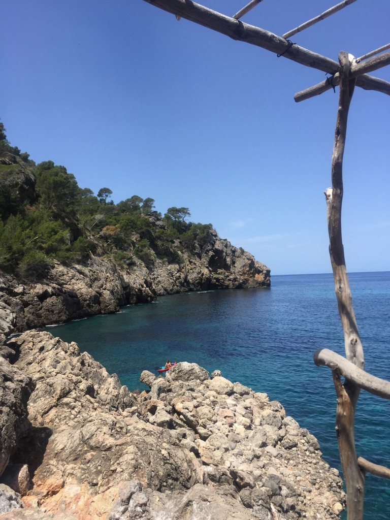 Ca's Patro March, Cala Deia