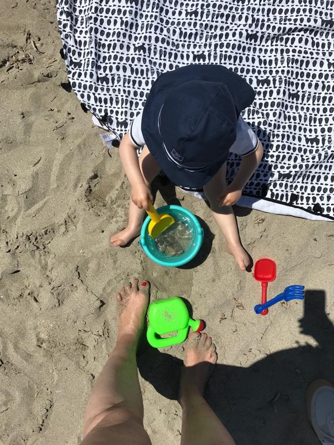 Buddeln am Strand auf Mallorca