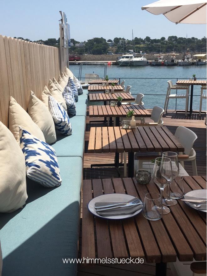 Restaurant im Hafen von Porto Colom