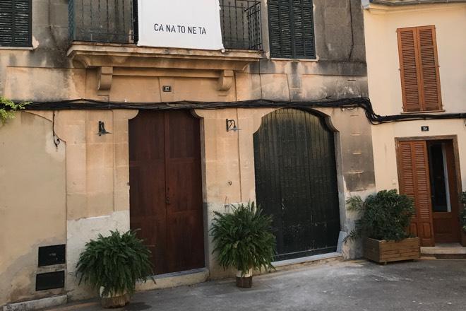 Ca Na Toneta Shop in Caimari