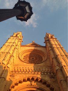Palmas Kathedrale in der Herbstsonne
