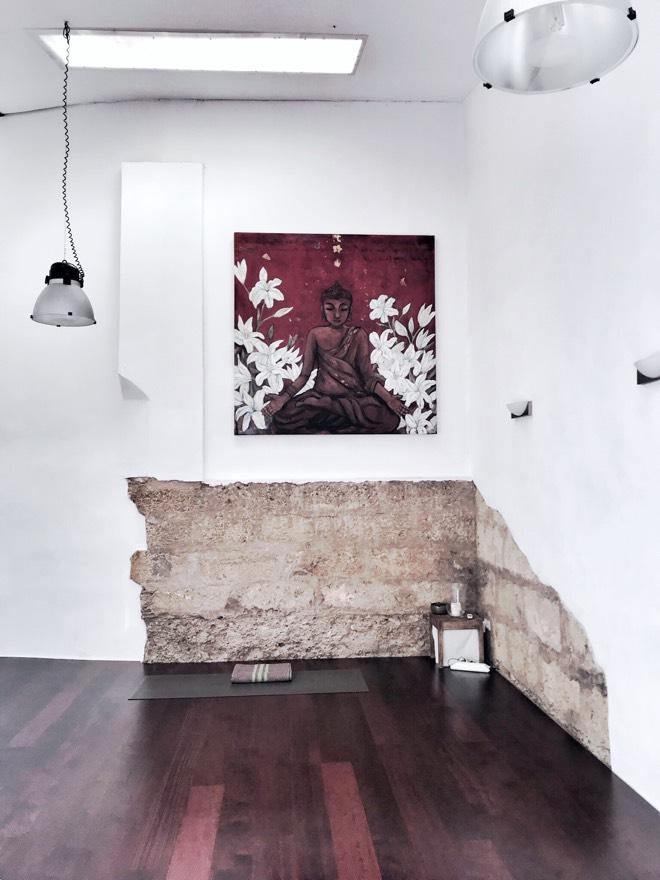 Yoga auf Mallorca im Zunray Yoga Studio mit Jeanette Fuchs