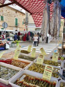 Wochenmarkt auf Mallorca in Binissalem
