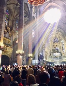 Ostern auf Mallorca Gottesdienst in der Kathedrale