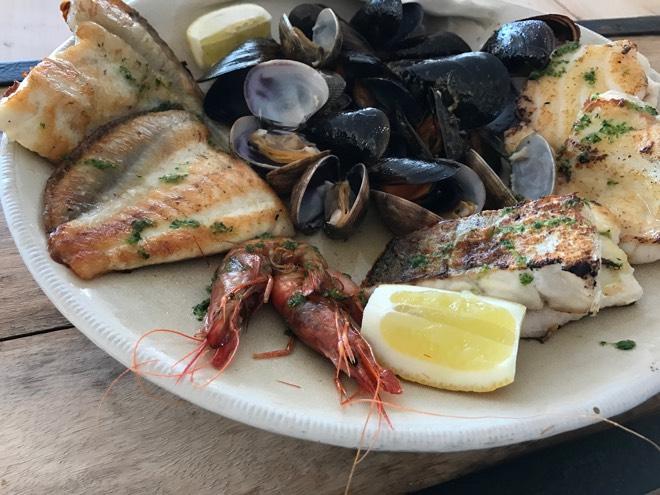 Fischplatte im Cala Conills Mallorca