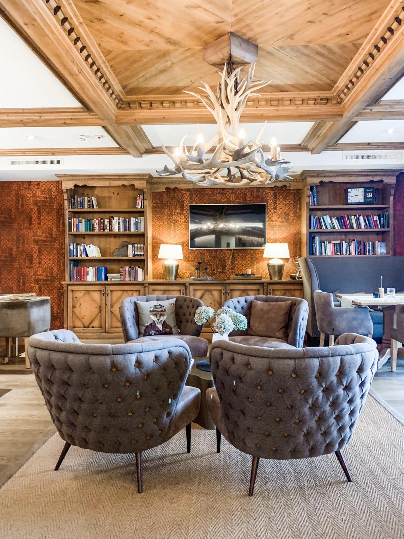 Lobby und Salon im Sonnhof