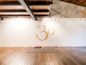 Ab auf die Matte im ZUNRAY Yoga Studio in Palma de Mallorca