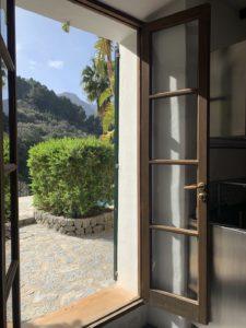 Ausblick aus dem Fenster der Küche von Sa Cova