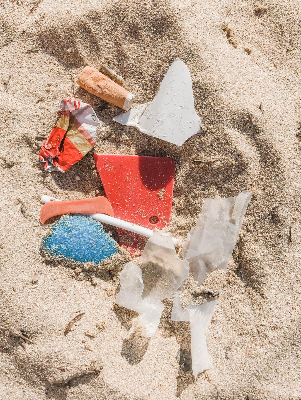Müll am Strand von Mallorca