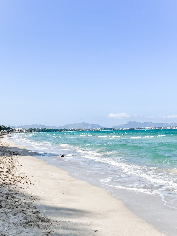 Saubere Strände dank Plastikverbot auf Mallorca 2021