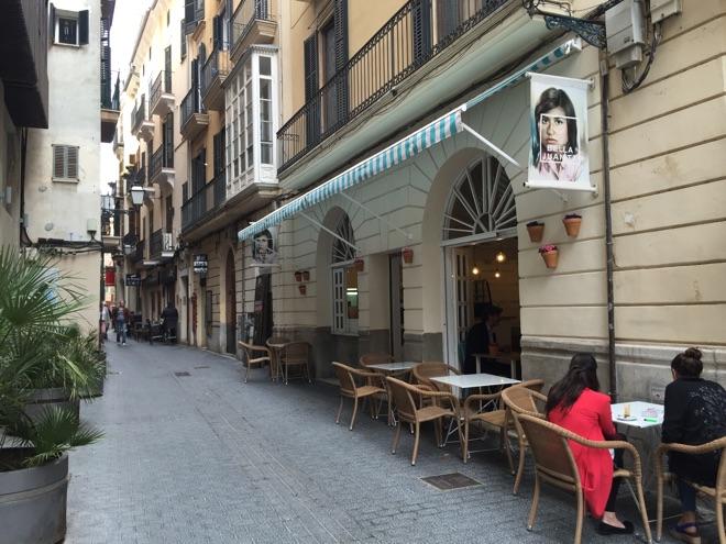 außen-cafe-bella-juanita-mallorca