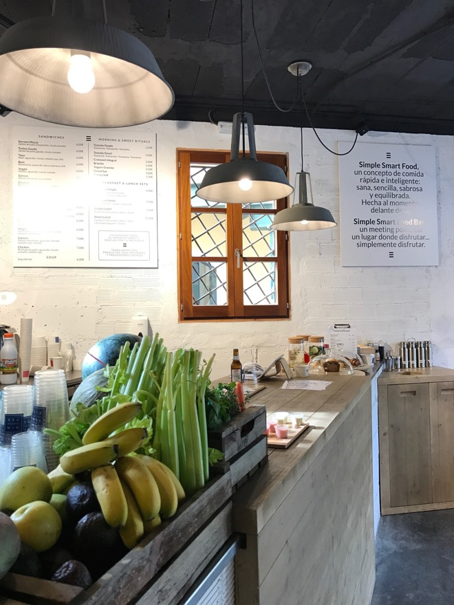 Theke in der Simple Smart Food Bar