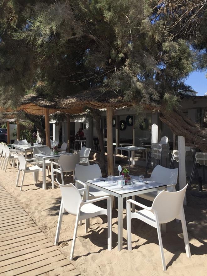 tische-im-ponderosa-beach-mallorca